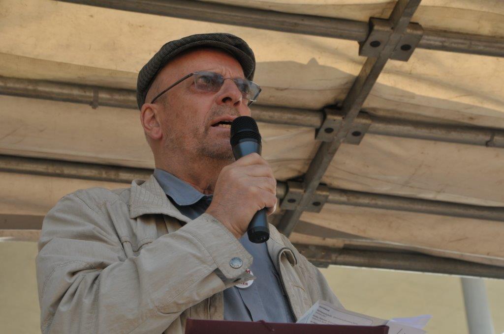 Eberhard Schultz redet am 14.9.13 auf Umfairteilen-Demonstration